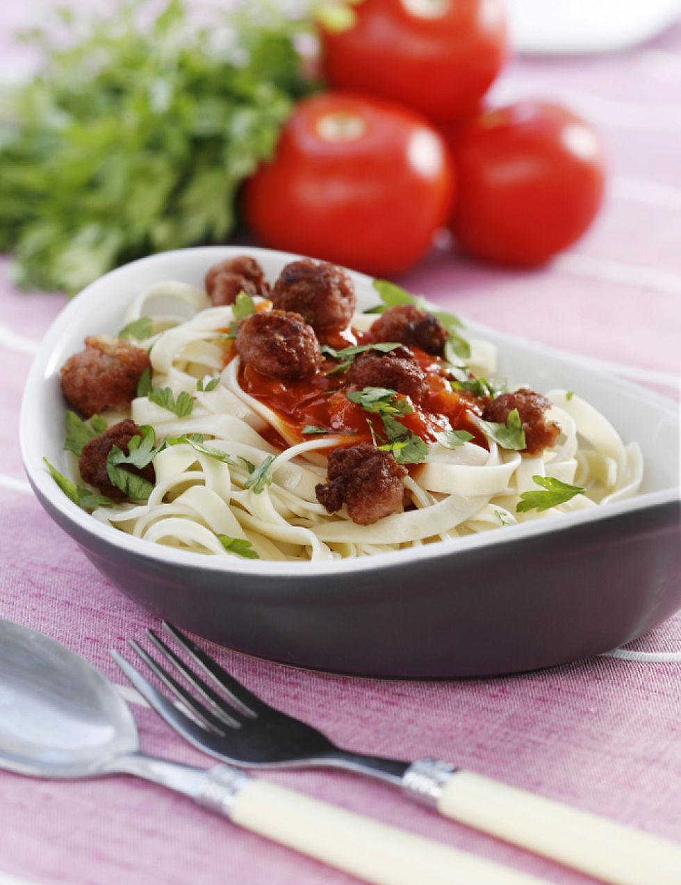 unos espaguetis con albndigas siempre es una receta del gusto de todos fcil y barato