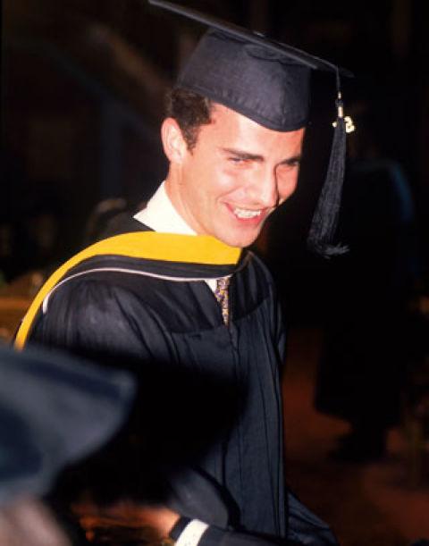 Tras finalizar el período de formación militar, don Felipe inició el período de formación civil. Estudió Derecho en la Universidad Autónoma de Madrid y posteriormente un Máster en Relaciones Internacionales en la Edmund Walsh School of Foreign Service de la Universidad de Georgetown, en Estados Unidos.
