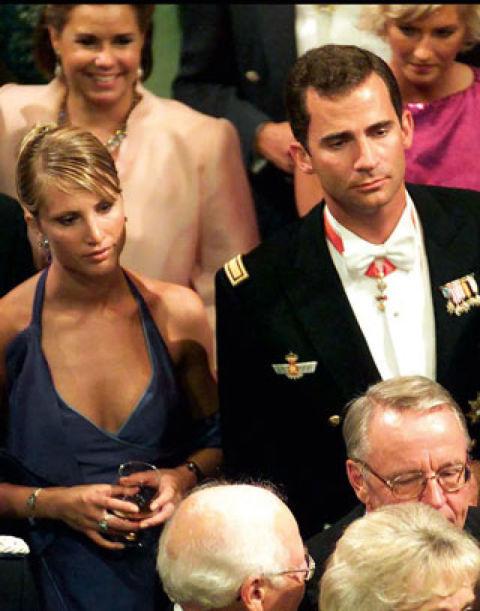 La relación de don Felipe con Eva Sannum hizo correr ríos de tinta e incluso se llegó a hablar de matrimonio. Con la modelo noruega salió desde 1997 hasta el año 2001.